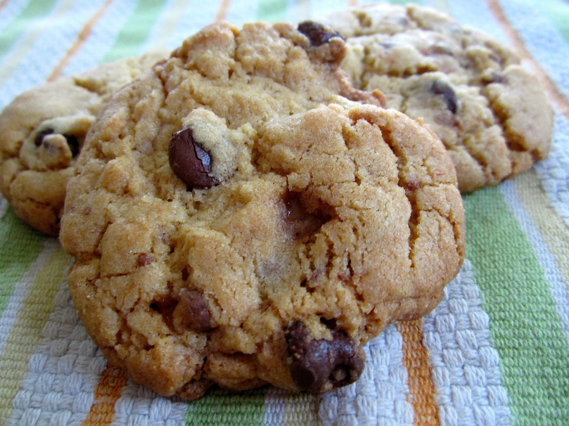 Toffee-Chocolate-Chip-Cookies-2